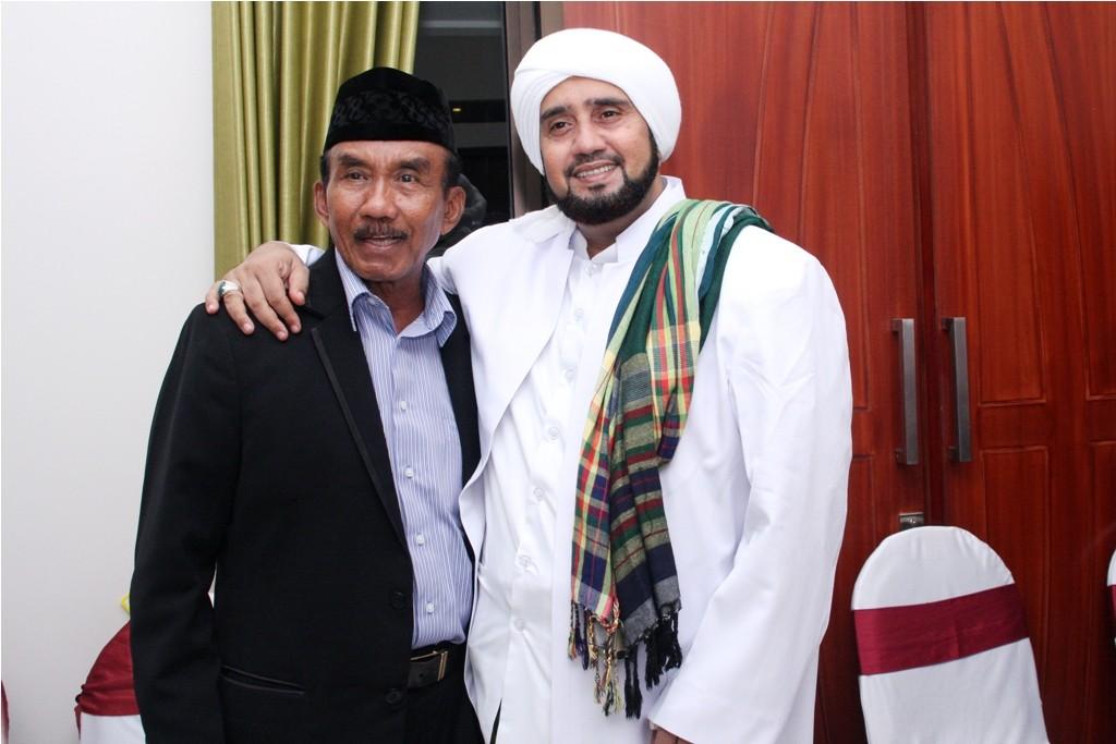 Bapak Suprapto Santosa Bersama Habib Syech Assegaf