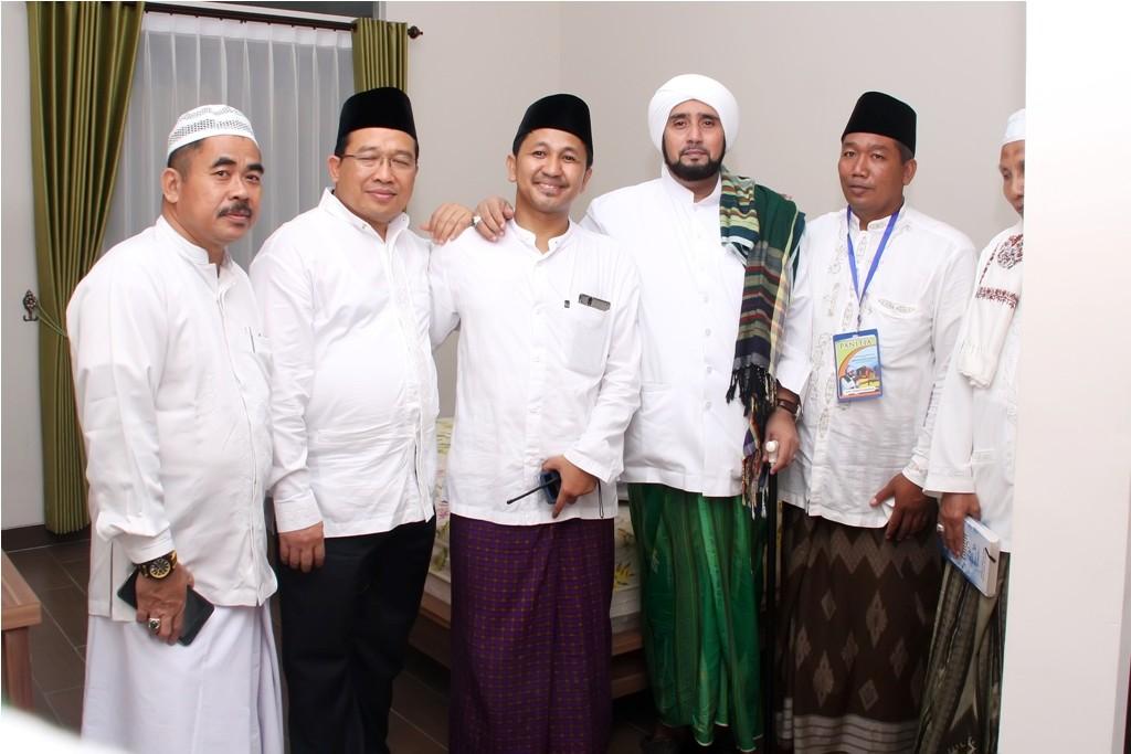 Takmir Masjid Al-Birru Pertiwi Besama Bupati Bojonegoro dan Habib Syech