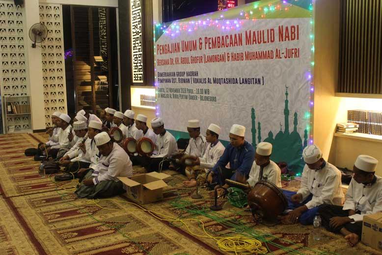 Penampila Group Hadrah Pimpinan Ustd Ridwan (Vokalis Al-Muqtashida Langitan)